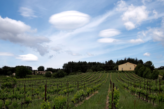 2013-05-31; France; Provence; Luberon; Spring; Windy weather; Lenticularis cloud; Jan Ciglbauer Photo