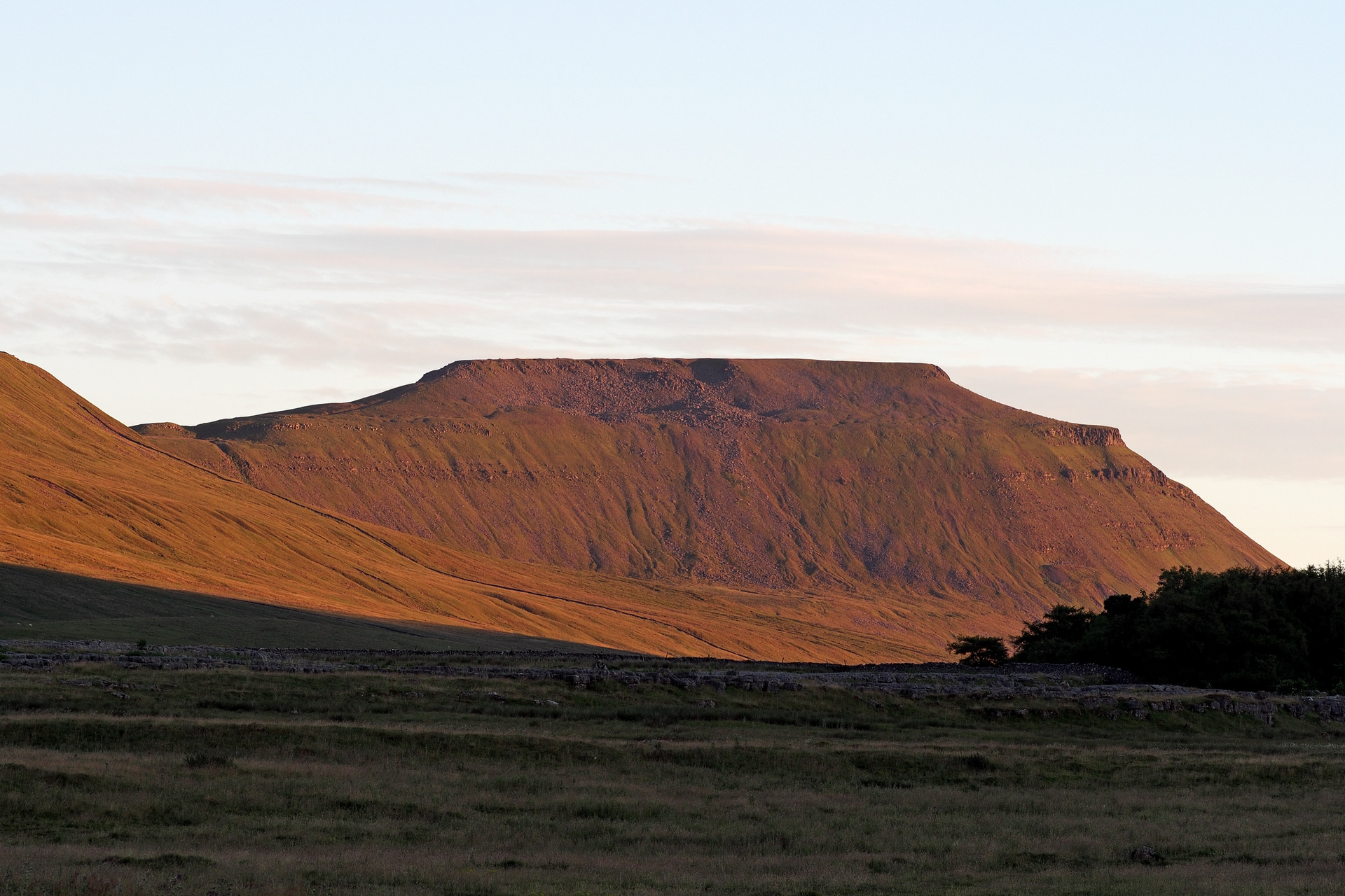 2018-07-03; England, Yorkshire; Yorkshire Dales; Table mountain; Evening; Soft light; Before sunset; Dry; Jan Ciglbauer Photo